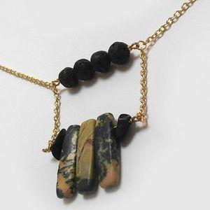 Jewelry - Agate Bridge Oil Diffuser Necklace
